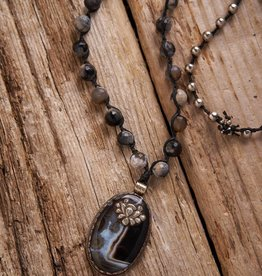 JONAS & MUSE Agate Pendant Necklace