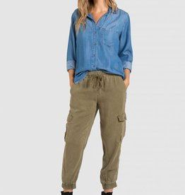 BELLA DAHL Fray Hem Pocket Button Down