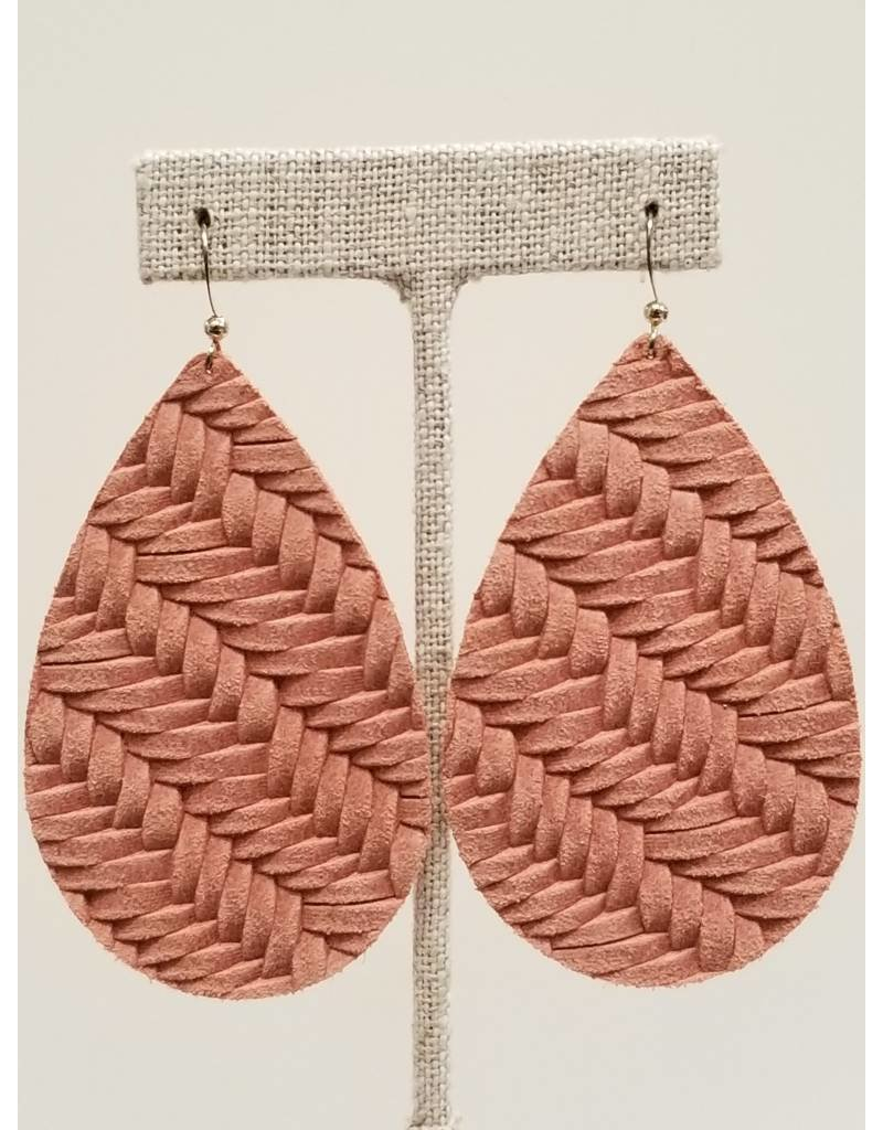 Daring Earring Dusty Rose Fishtail