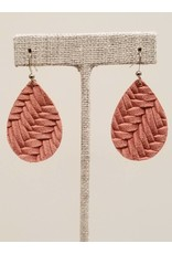 Dainty Earring Dusty Rose Fishtail
