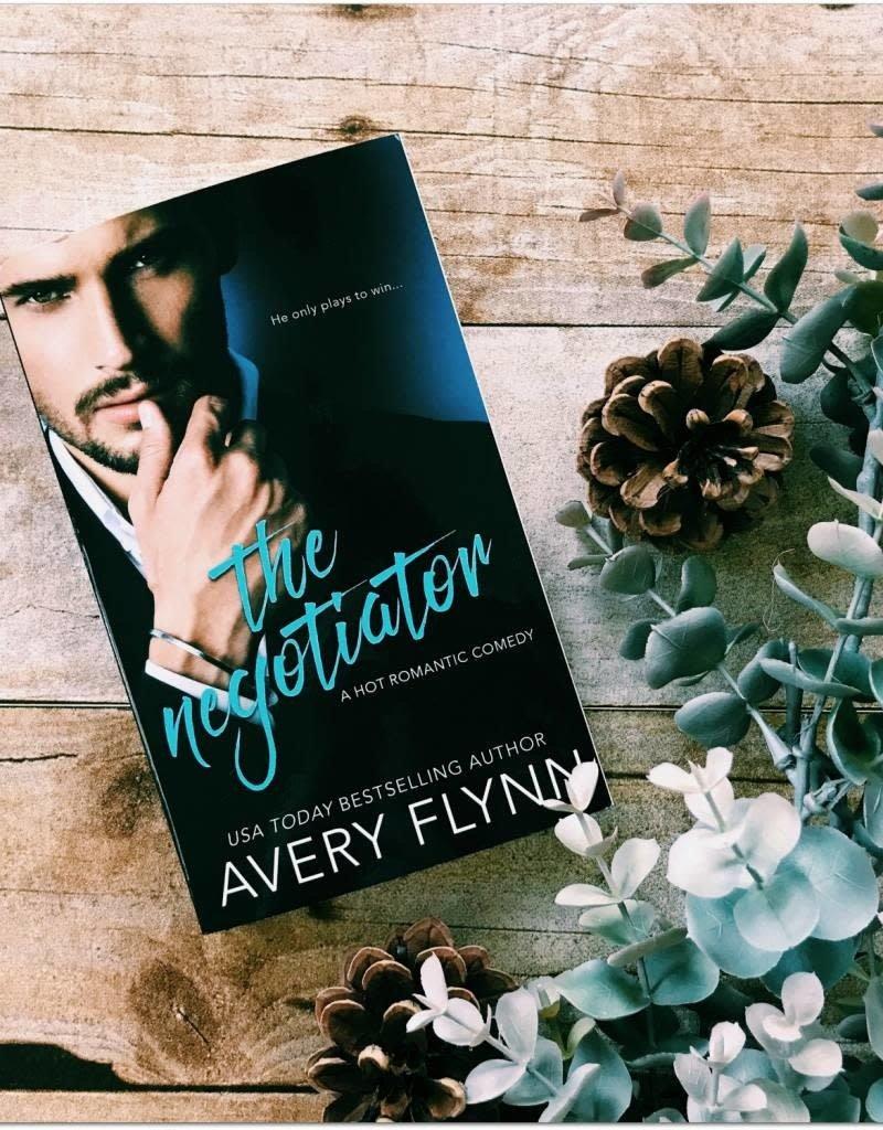 The Negotiator, #1 by Avery Flynn (Mass Market Paperback)