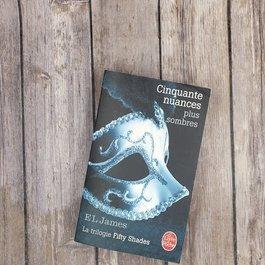 Cinquante nuances plus sombres #2 by EL James (French Version)