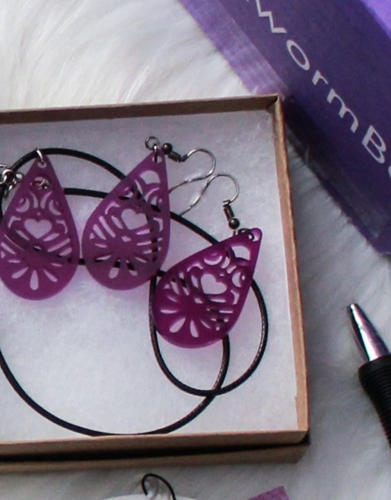 Fantastic Purple Earrings and Necklace set