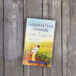 Love Walks In by Samantha Chase (Mass Market)
