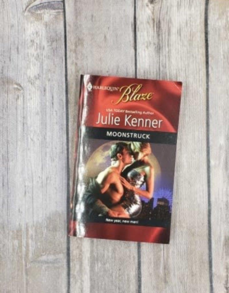 Moonstruck by Julie Kenner (Mass Market)