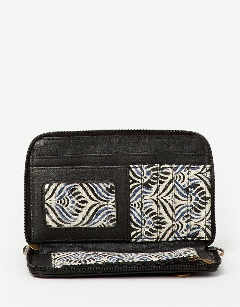 Joyn Kosha Leather Crossbody Wallet