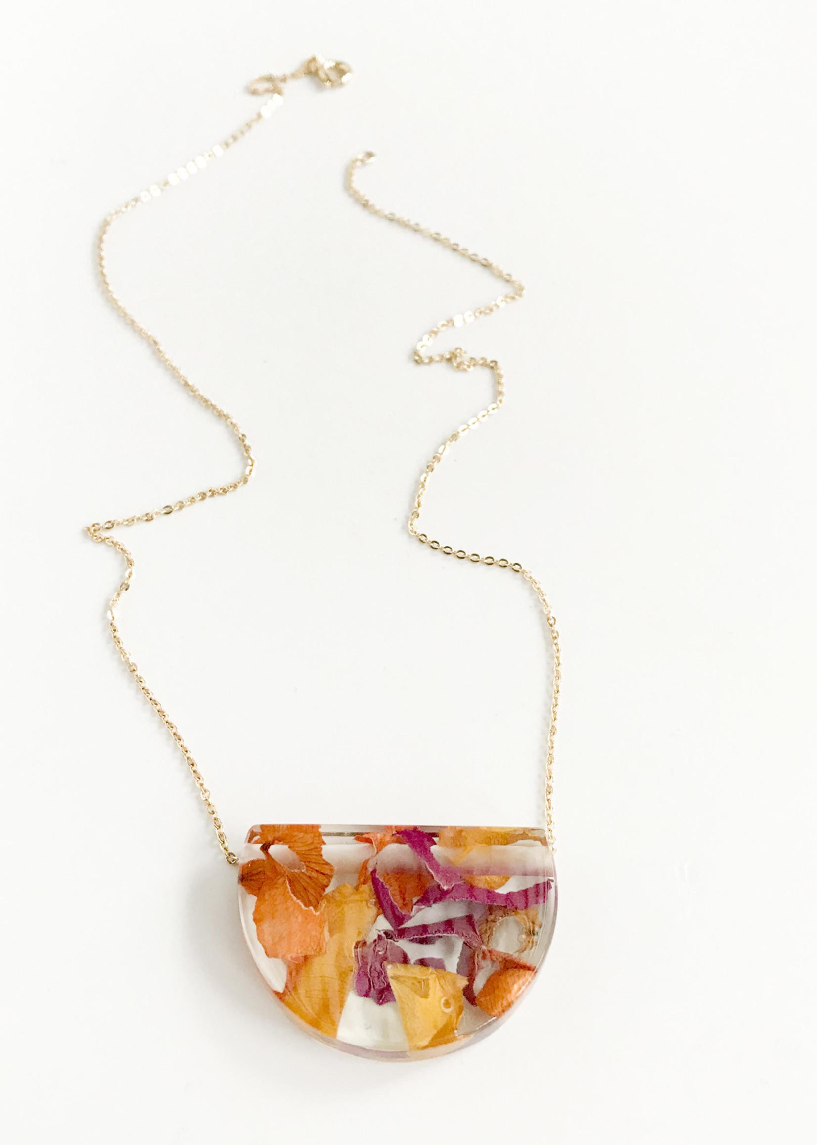 Belart Rose Petal Necklace