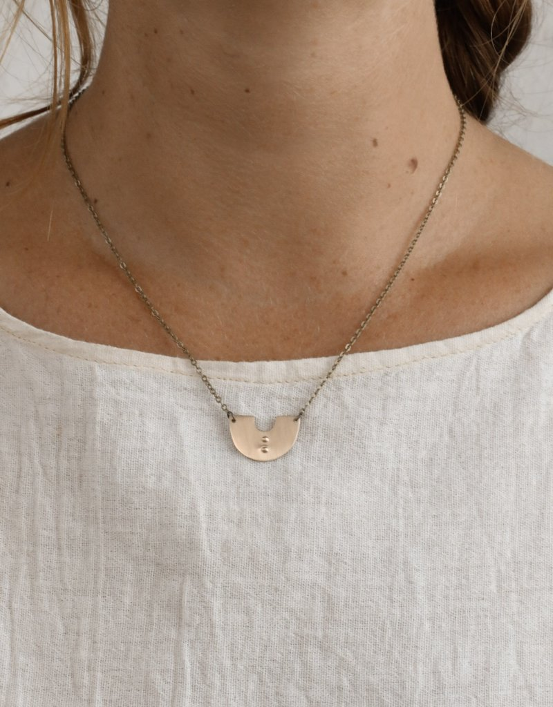 YEWO Fumbo Necklace