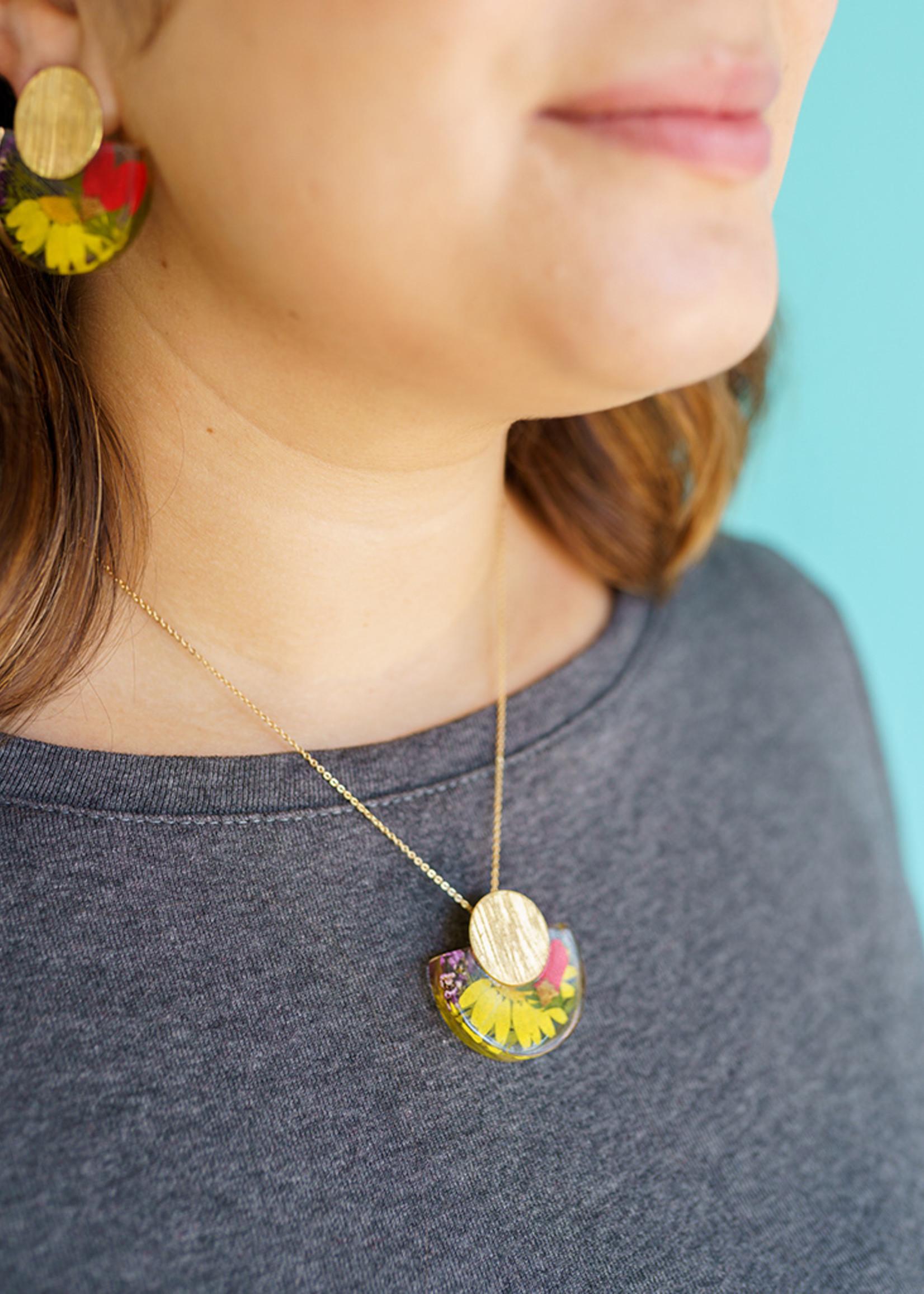 Belart Large Mixed Flowers Necklace