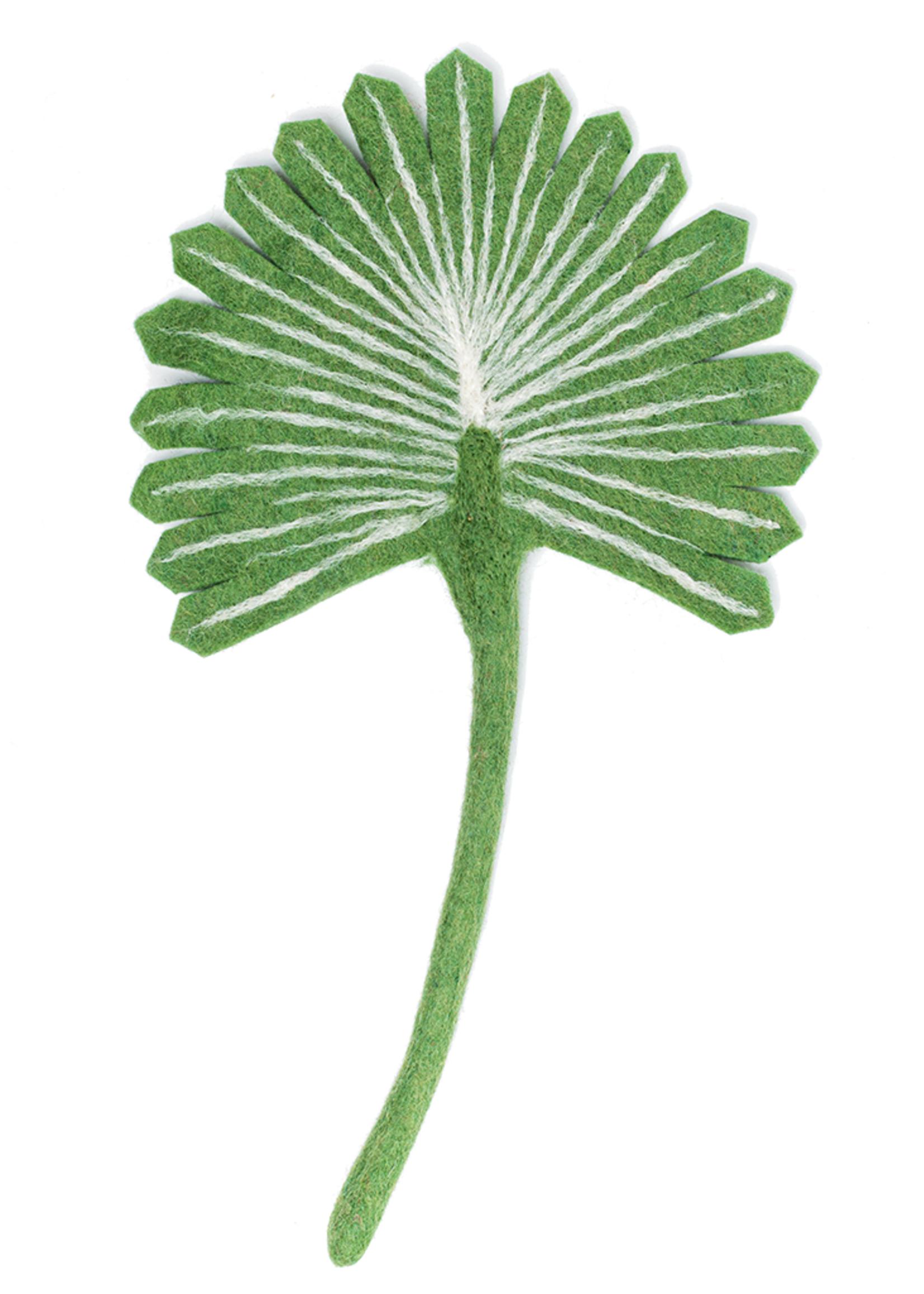 Global Goods Partners Felt Scalloped Fan Palm Leaf