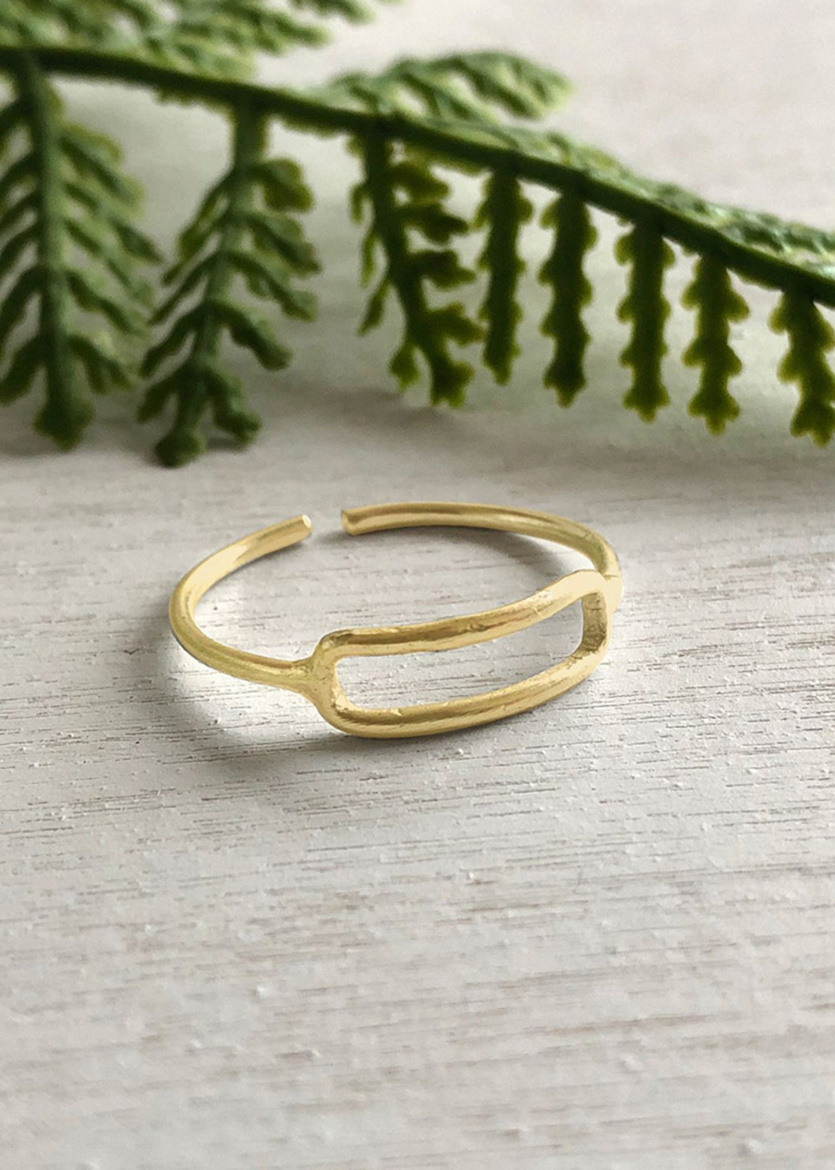 WorldFinds Rippled Rectangle Ring
