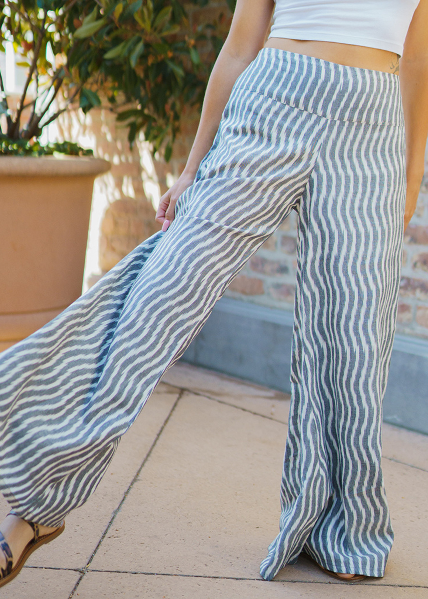 Passion Lilie Billowy Grey Pant