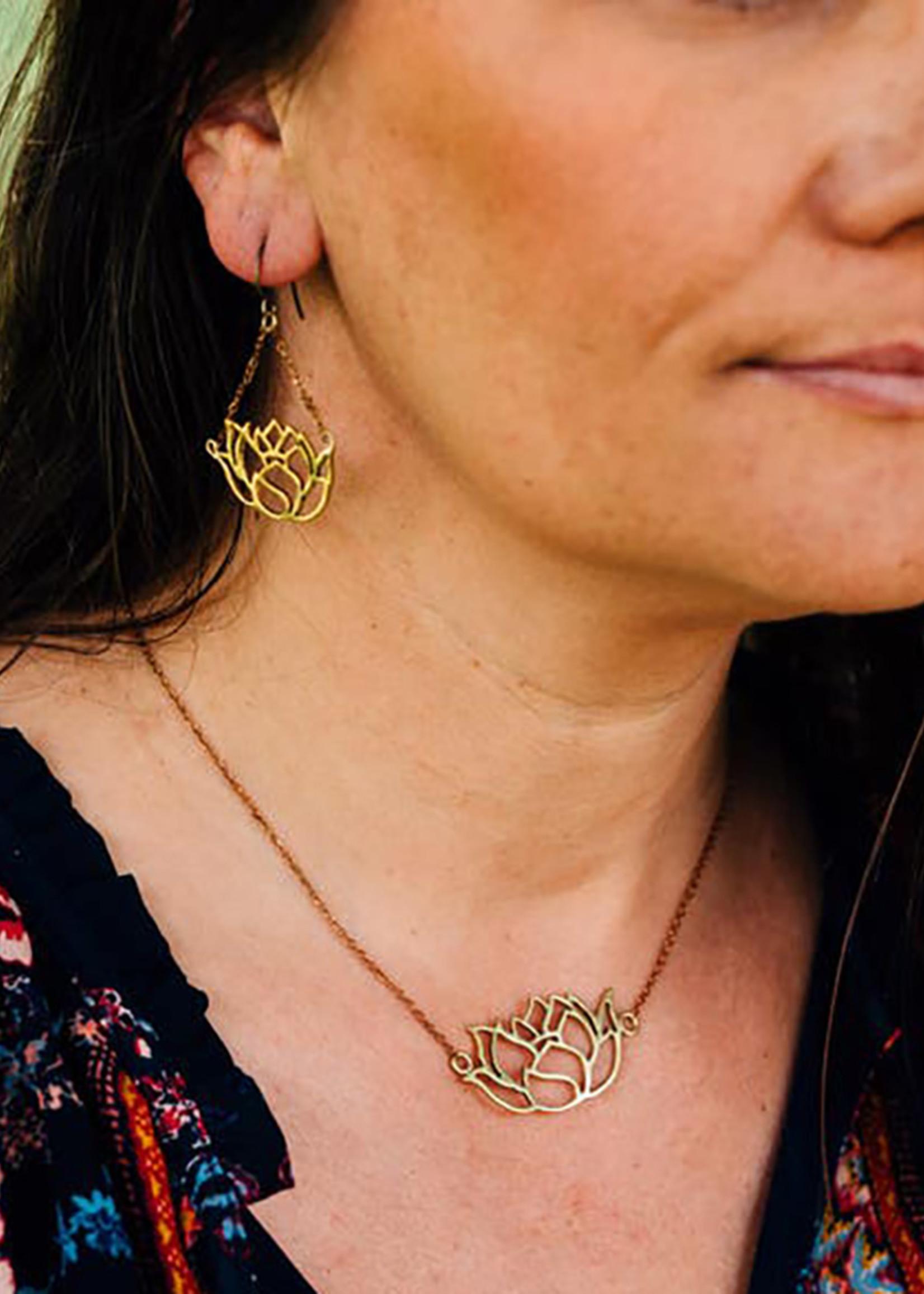 Rajana Graceful Lotus Necklace