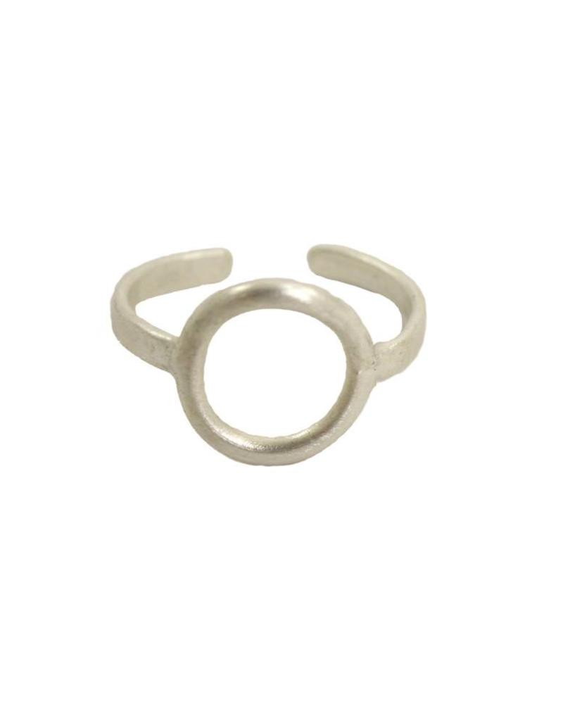 WorldFinds Petite Circle Ring