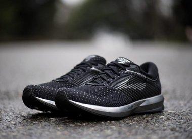 M.Footwear