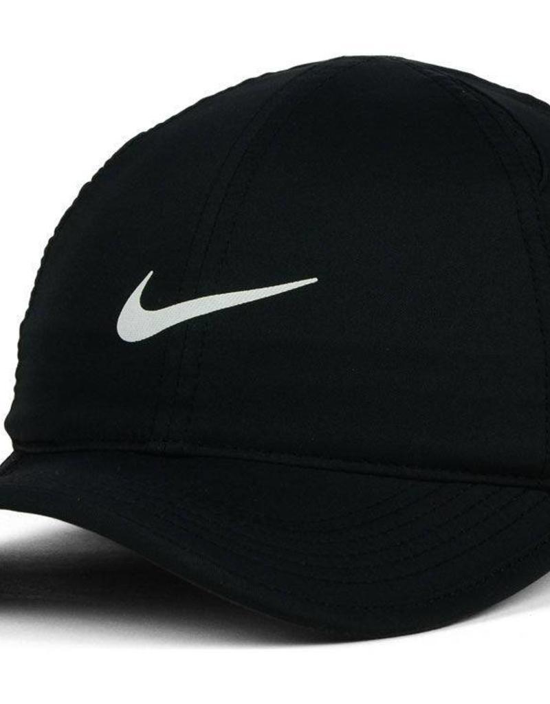 259d0dc5e81632 NIKE FEATHERLIGHT HAT - Manhattan Running Company