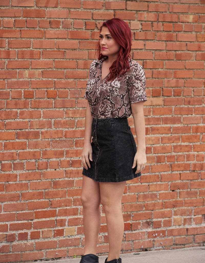 entro Side Button Faded Denim Skirt
