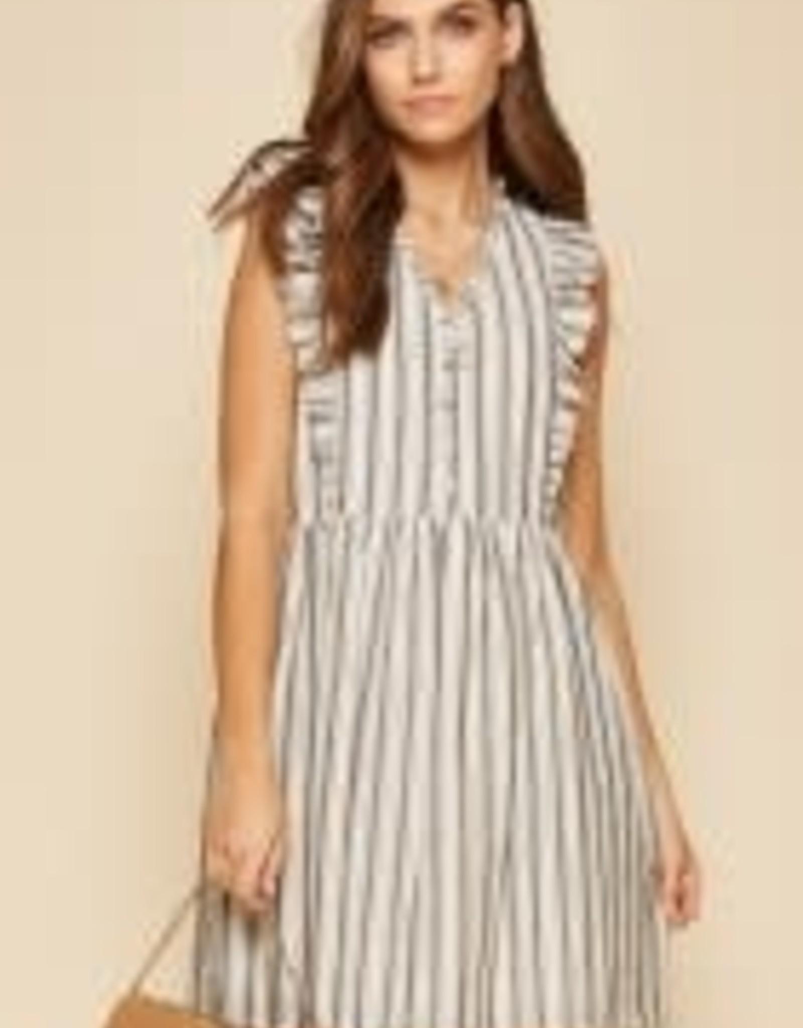 AndreByUnit Andre- Chic Ruffle Dress