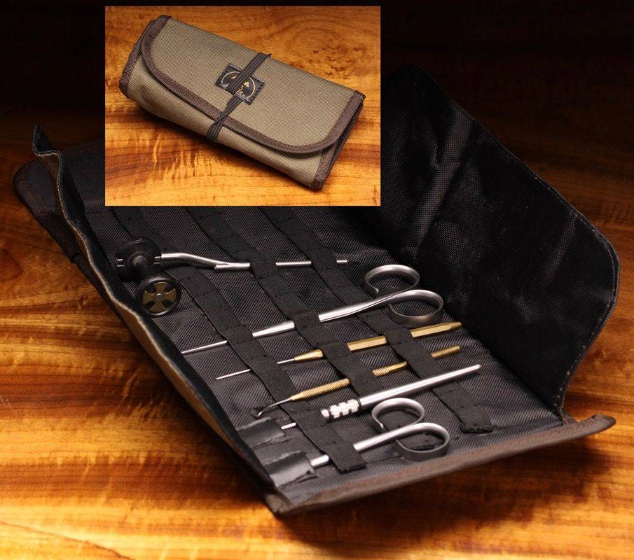 Hareline Roll Up Tying Pouch