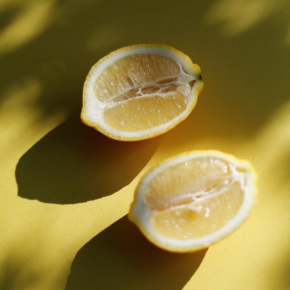 Vitruvi Organic Lemon Essential Oil
