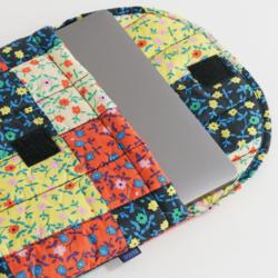 "Baggu Puffy Laptop Sleeve 16"" - Calico Block"