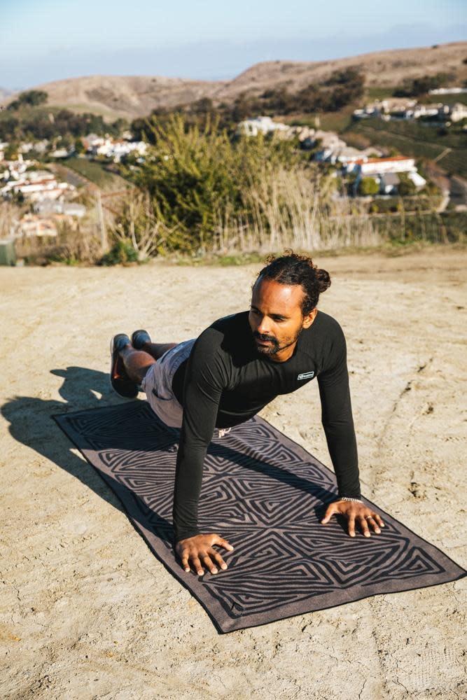 Nomadix La Playa Brown Black Towel-3