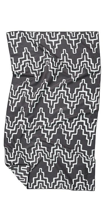 Nomadix Teton Black Ultralight Towel-2