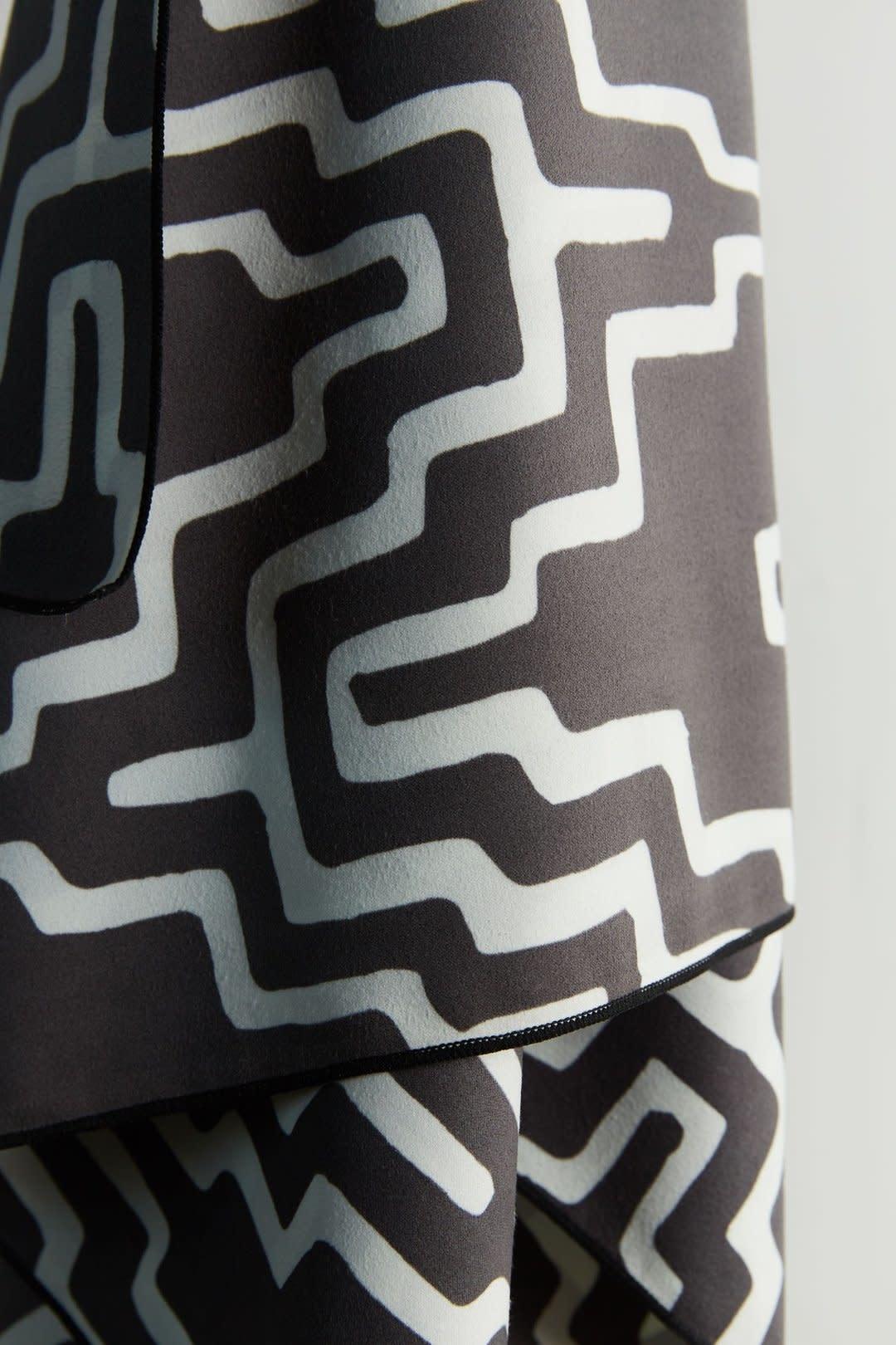 Nomadix Teton Black Ultralight Towel-1