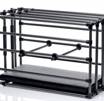 XR Brands Kennel Cage with Paddle Board