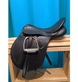 "Wintec 17"" M Wintec AP Saddle Black"
