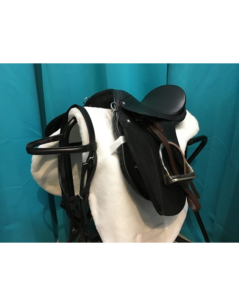 """English Saddle Blk 14"""" Seat 5.5 Gullet w/ Headstall, Pad and Girth"""