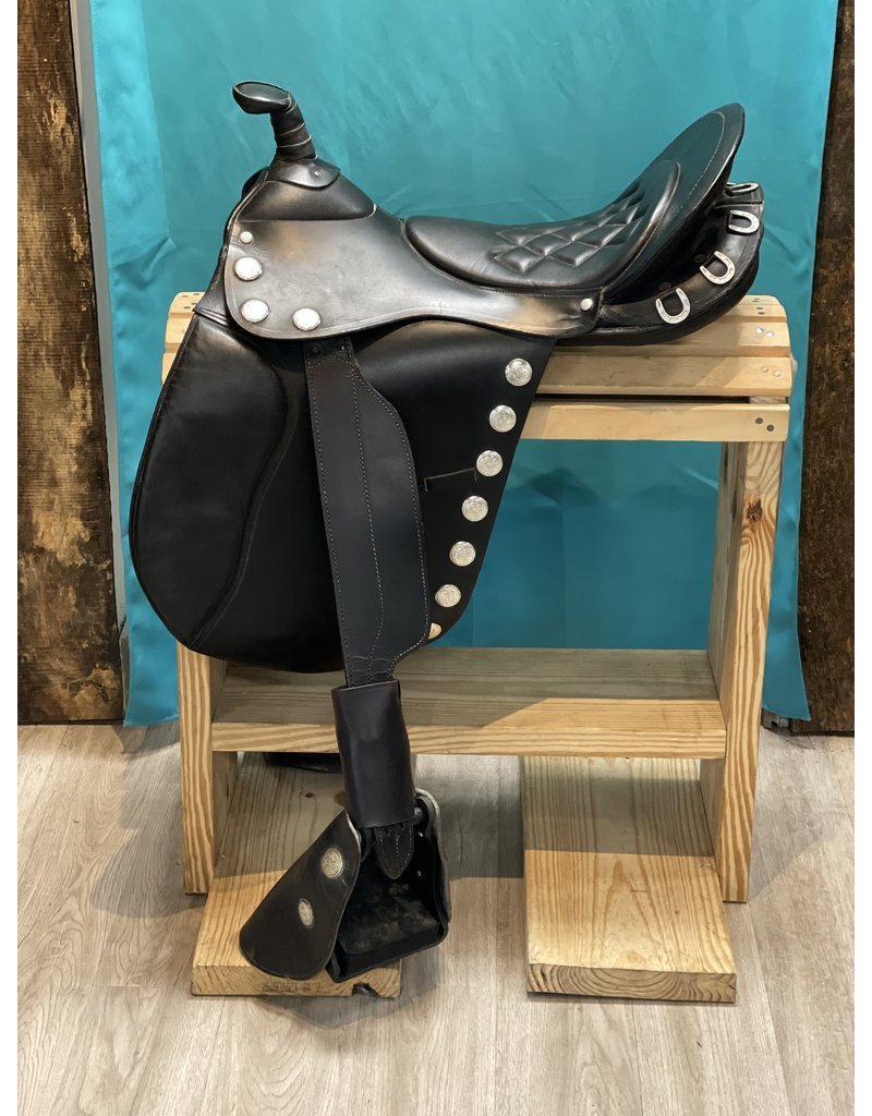 "Custom Trail Saddle 17"" Med Wide/Wide Black w/Split Reins, Bridle & Breast Plate"