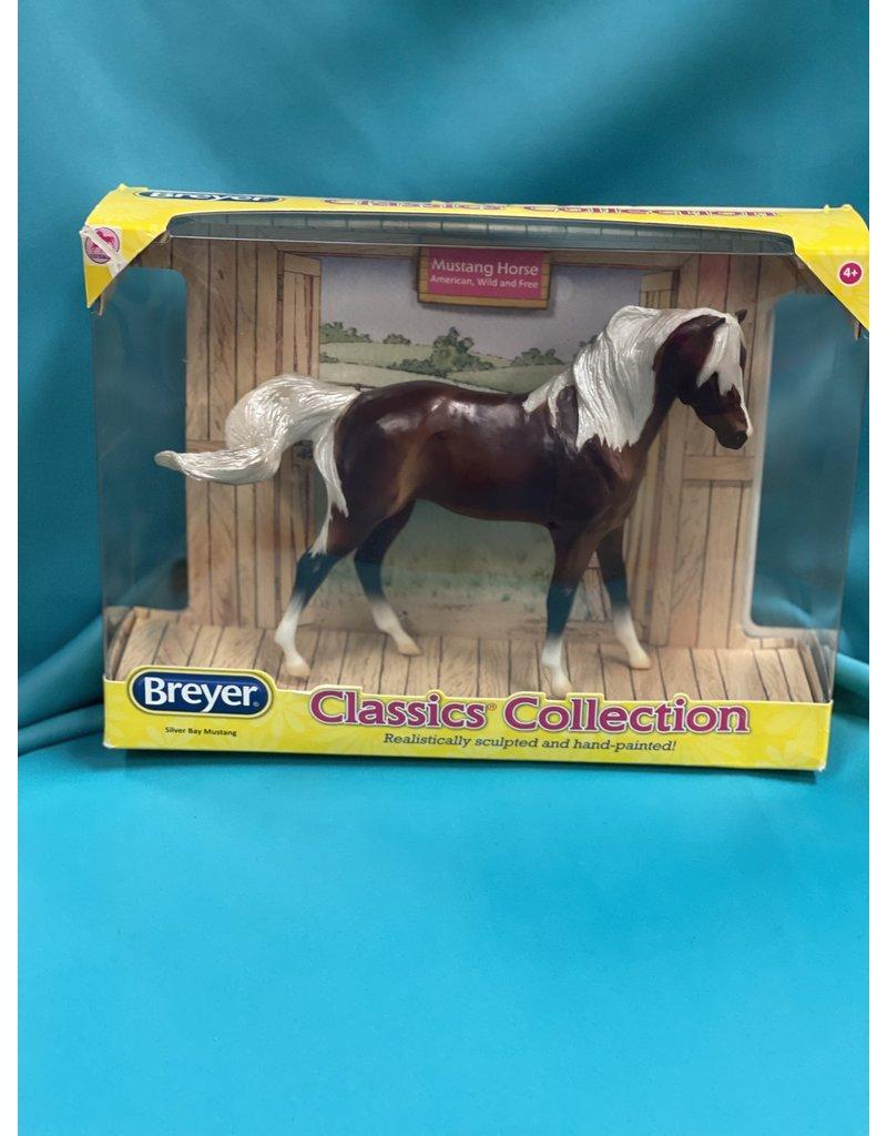 Breyer Breyer Silver Bay Mustang #934