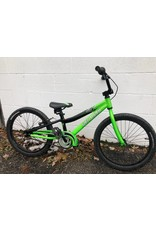 """Specialized PRE-OWNED 20"""" SPEC HOTROCK CB GREEN"""