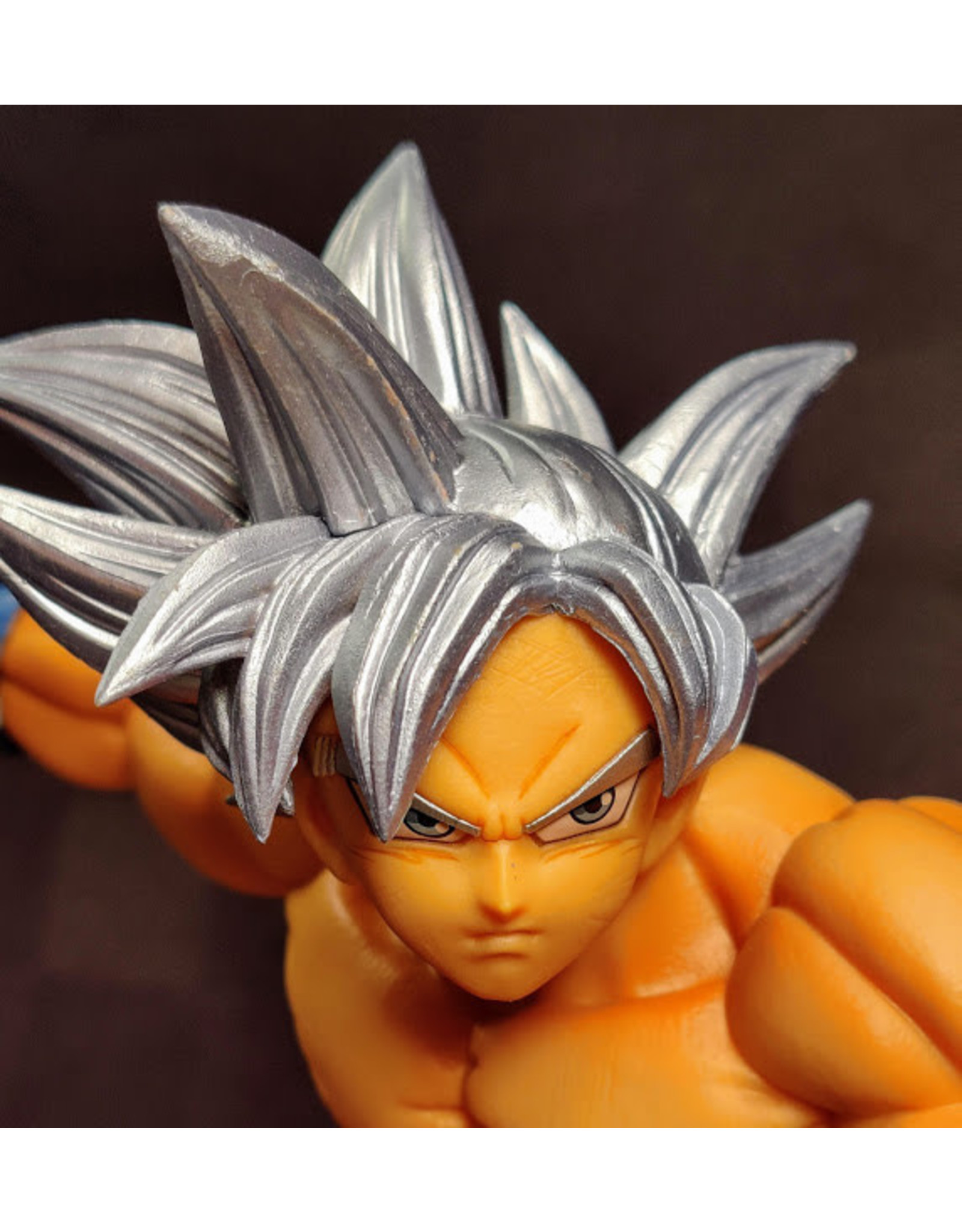 Dragon Ball Super Goku Ultra Instint Max Figure