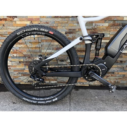 "LaMere Cycles 19"" LaMere Diode Shimano E8000 and Fox 36 Voorsprung"