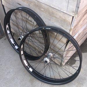 Wheelset HED Fat 27.5 Berd Black spokes Silver Tune hubs 1540g