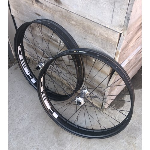Wheelset HED Fat 27.5 Berd Black spokes Silver Tune hubs 1540g