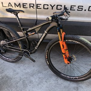 Med XC Race Bike Fox Suspension Carbon Wheels