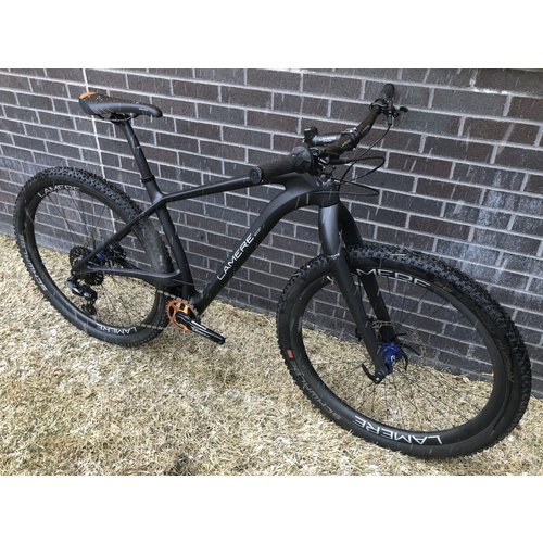 "LaMere Cycles Size Large (19"") Carbon Hardtail Rigid Fork, Slightly Used Carbon Wheels with i9 Blue Hubs"