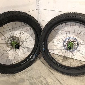 LaMere Cycles Fat Carbon Wheelset w/ i9 Green Hubs
