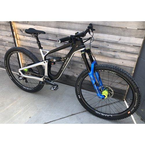 Med Carbon Enduro Bike, Fox/DVO, 29 carbon rims Onyx hubs