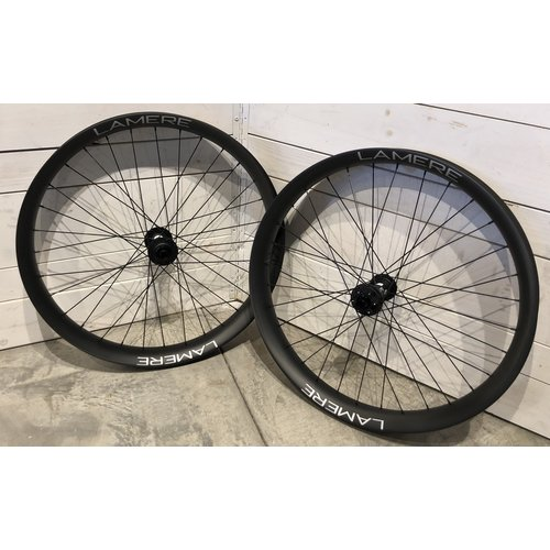"LaMere Cycles Fat Carbon Wheelset 27.5"" x 75W, 150 / 197 / XD"