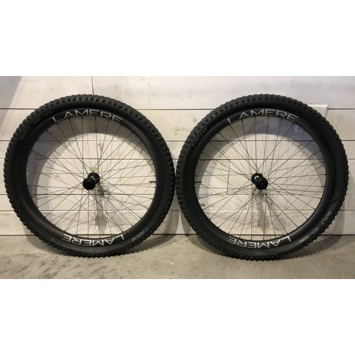 LaMere Cycles LaMere Fat Summer Carbon Wheelset, DTSwiss Big Ride Hubs 15X150/12X177