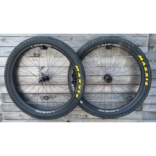 LaMere Cycles LaMere Fat Summer Wheelset, Bitex Hubs, Maxxis Chronicle 29er tires