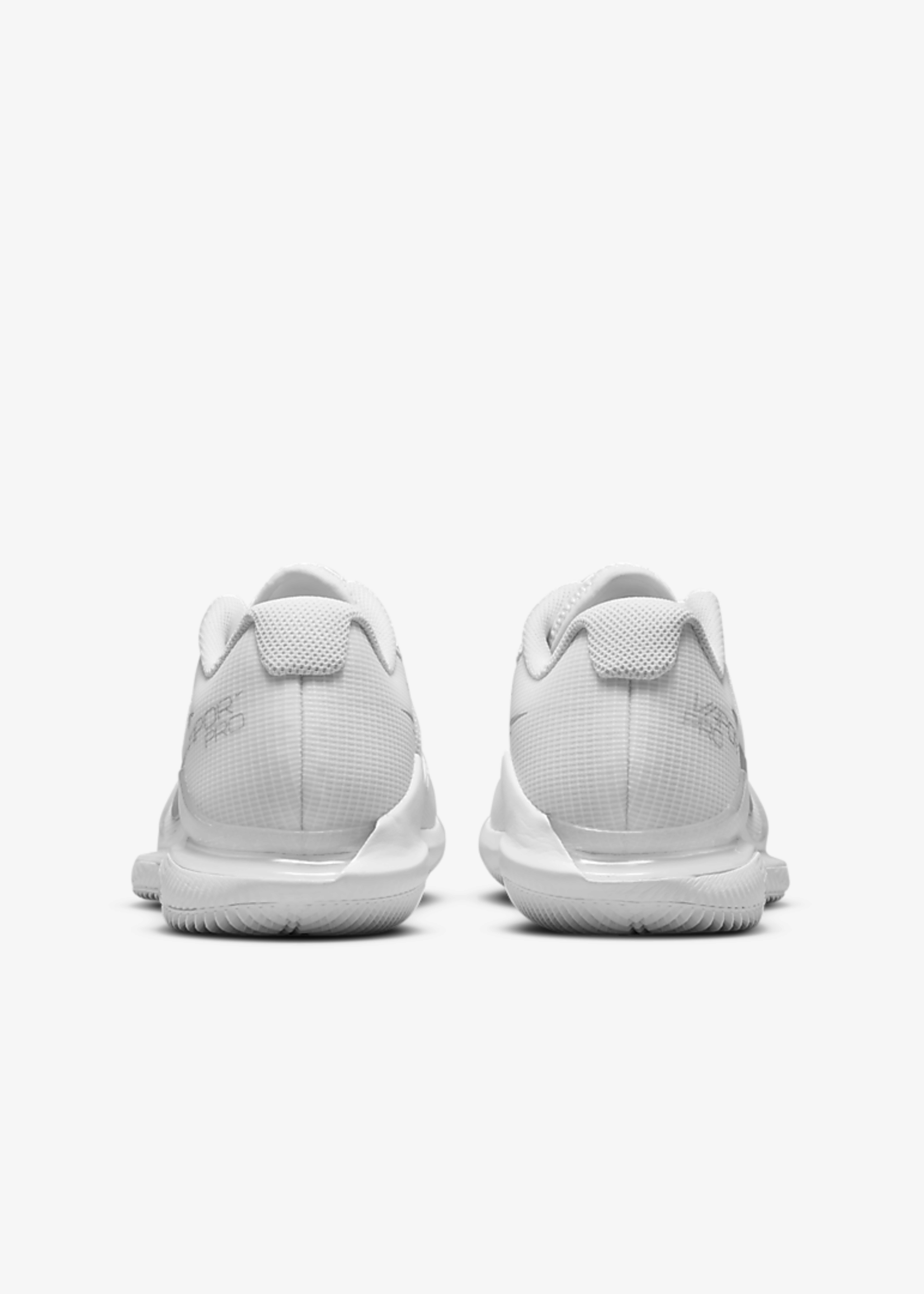 Nike WOMEN'S NIKECOURT AIR ZOOM VAPOR PRO CZ0222