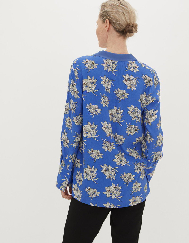 BY MALENE BIRGER The Printed V Shirt