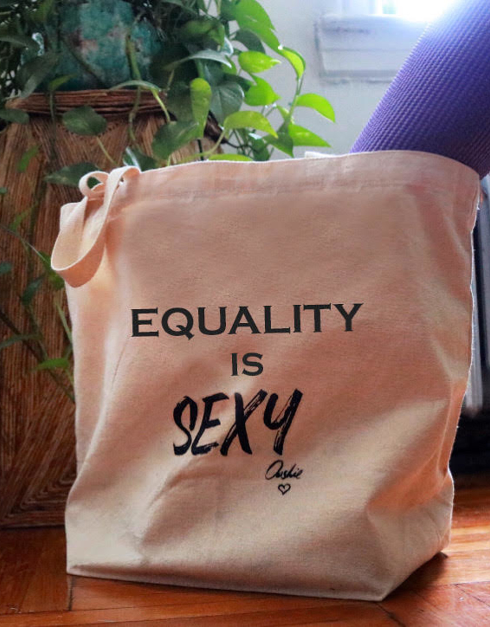 Tote: Equality is sexy