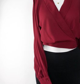 LeBLANC finds Crop Blouse BURGUNDY
