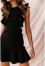 SELFIE LESLIE Ruffle sleeve dress, BLACK